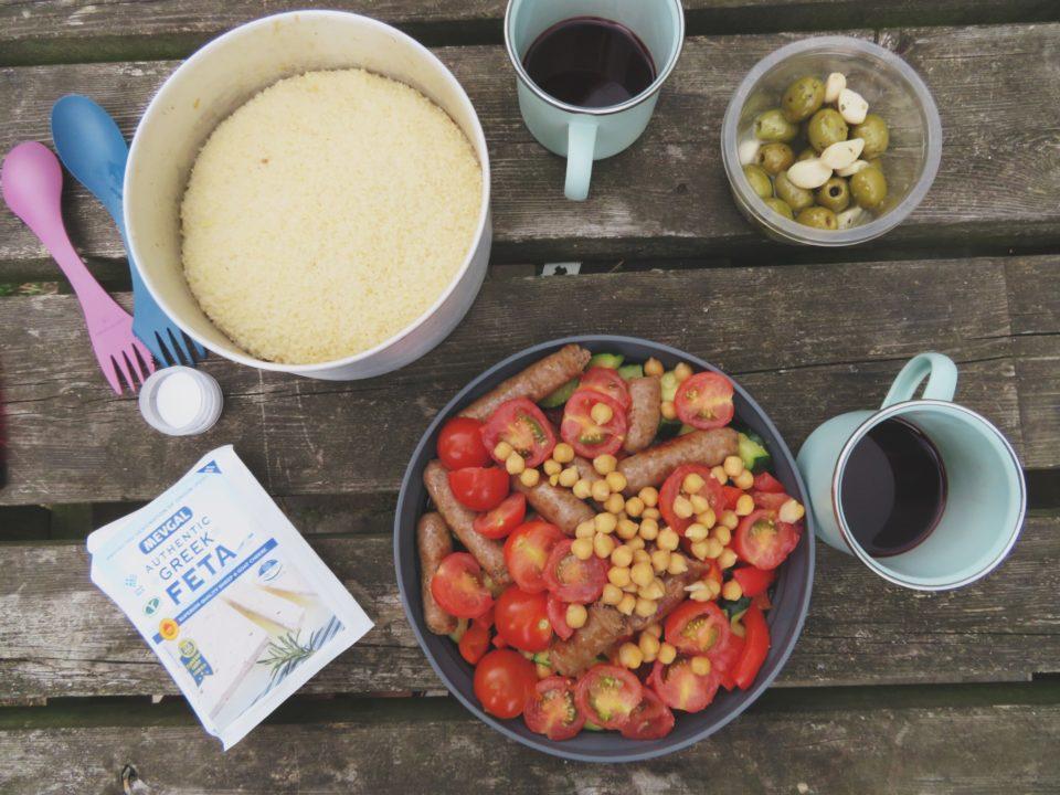 Couscous, groente en kikkererwten: typisch bikepacking-eten.